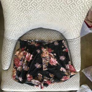 Brandy Melville Super Soft Floral Shorts - Size S!