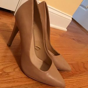 Size 8 Tan Forever21 Pumps 100% leather