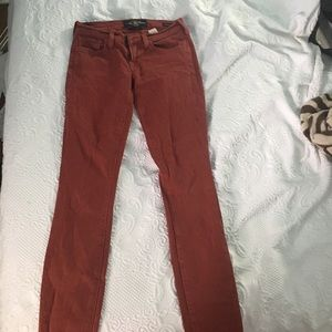 Lucky Brand maroon colored skinny jeans LOW RISE