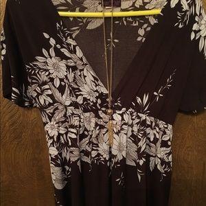 "Tops - Short sleeve ""dolman/kimono"" shirt. Maternity M"