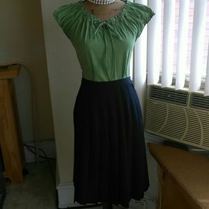 💟STITCHED DOWN PLEATED SKIRT