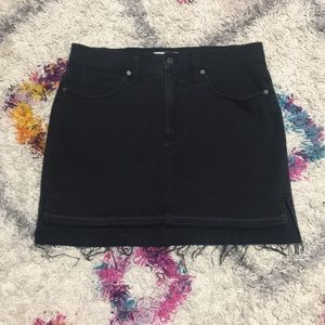 Madewell Black Denim Skirt size 30