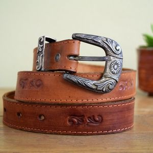 Accessories - Vintage Size 32 S-M Tooled Leather Western Belt