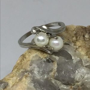 Jewelry - 10K White Gold Double Pearl Ring
