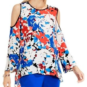 NWT Vince Camuto Cold Shoulder Top