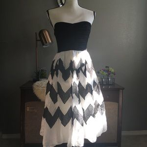 Anthro liefnotes chevron full skirt cage back