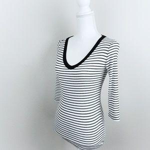 White Black Stripe Vneck Shirt 3/4 Sleeves Cute XS