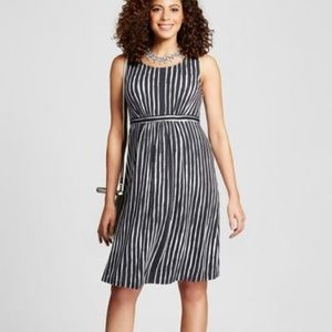 NWT Liz Lange Maternity Dress
