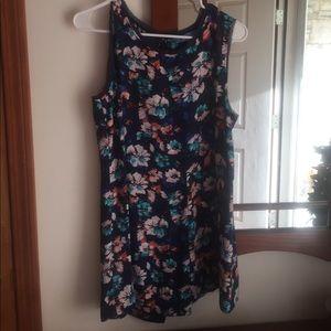 Simply Vera Vera Wang Sleeveless Dress Shirt