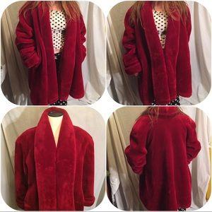 Fun vintage red faux fur coat M