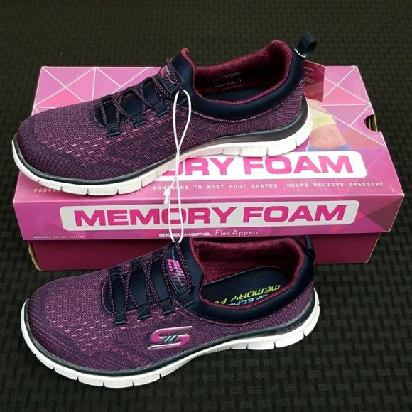Skechers Womens Size 7 Memory Foam Flex Appeal Casual Affair