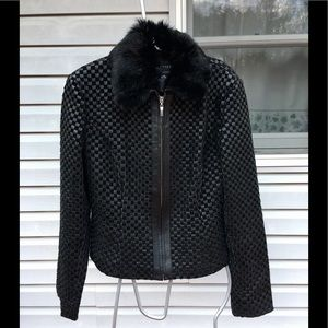 APOSTROPHE BLACK LEATHER WITH FUR COLLAR JACKET