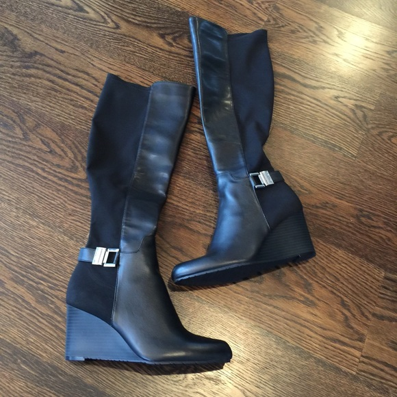 449d5643f85 New Calvin Klein Sama Wedge Boots
