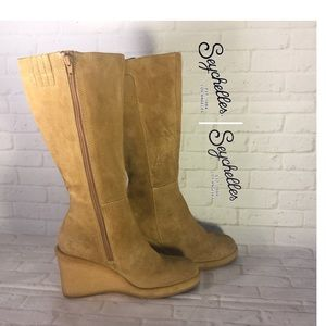 Seychelles knee high camel suede wedge boots 8 med