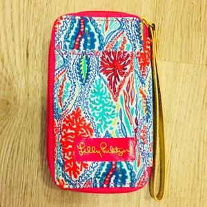 NWOT Lilly Pulitzer Wristlet Accessory