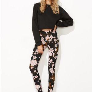 Pants - ♣️TRENDY Black ♣️floral print - Legging