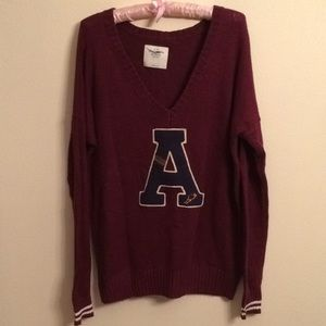 Abercrombie and Fitch Maroon v neck Large