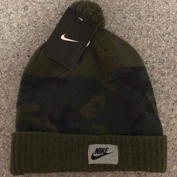 9e8e354a5023b New  30 Nike Men s beanie hat camo green