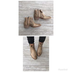 Extrafine Calato Tan Ankle Booties