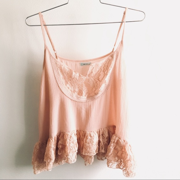 86e0a6fd38d72 Kimchi Blue Tops - Kimchi Blue Large Pink Lace Camisole Tank Top