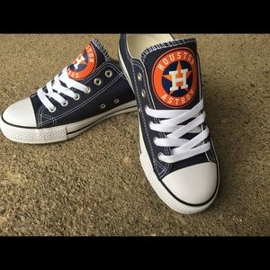 18799824800f ... Made Bling Converse NY Yankees Converse Custom Shoes 💖Host pick💕Houston  Astros Team Shoes💕⚾ 😍