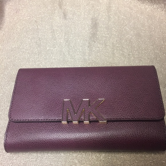 23e7a914107c MICHAEL Michael Kors Bags | New Michael Kors Florence Lg Billfold ...