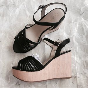 [Seychelles] Black Strappy Leather Wedges
