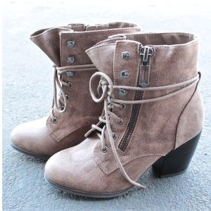 Shoes - Brown booties with a short heel