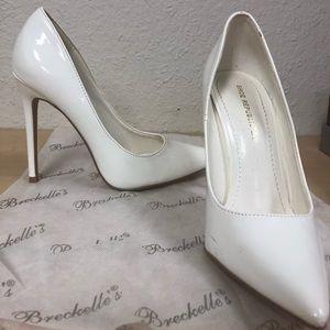 Shoe Republic LA white pumps!