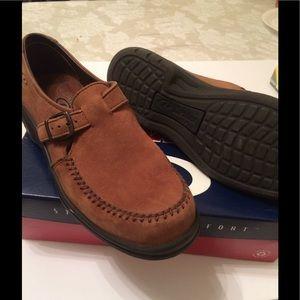 Dexter Women's Shoes