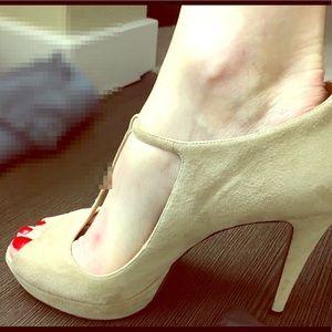 Gucci Suede 5 inch heels