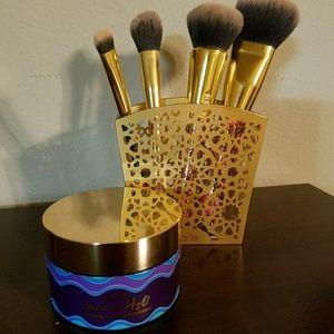 Tarte H2O moisturizer & brush set PRICE FIRM
