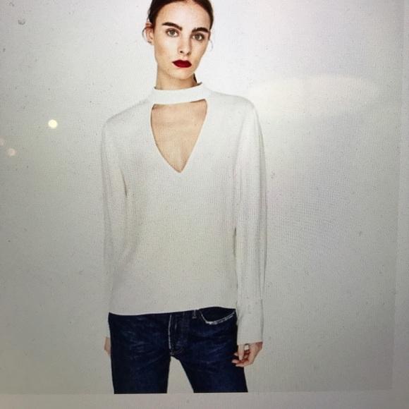 54dff8496a90c2 Zara v-neck choker top in black. M_5a0e3f99c28456954c00db8b