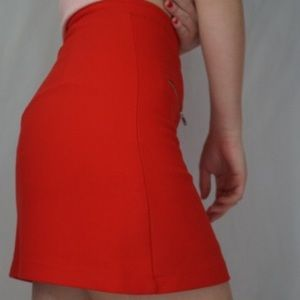 Zara basic red skirt with zippers🌸