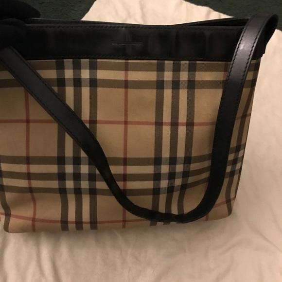 6546dbb20c4 Burberry Handbags - Burberry vintage shopping bag💥1 hr sale