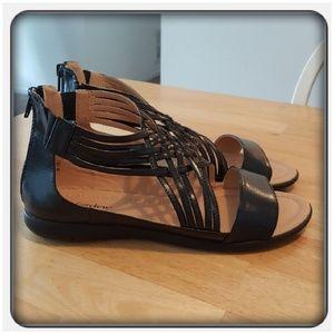 Woman's Black Sandals Size 10M