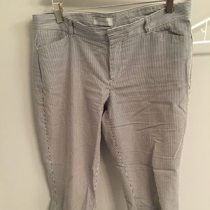 Gap outlet blue/white striped crops size 4