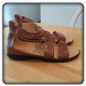 Woman's Brown Sandals Size 10M