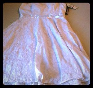 NWT All white strapless party dress Sz.11