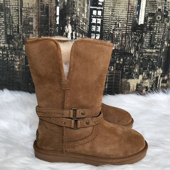 ccc36e7419e ✨UGG Palisade Boots in Chestnut 👢✨