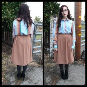 Beautiful 70's vintage skirt with subtle pleats