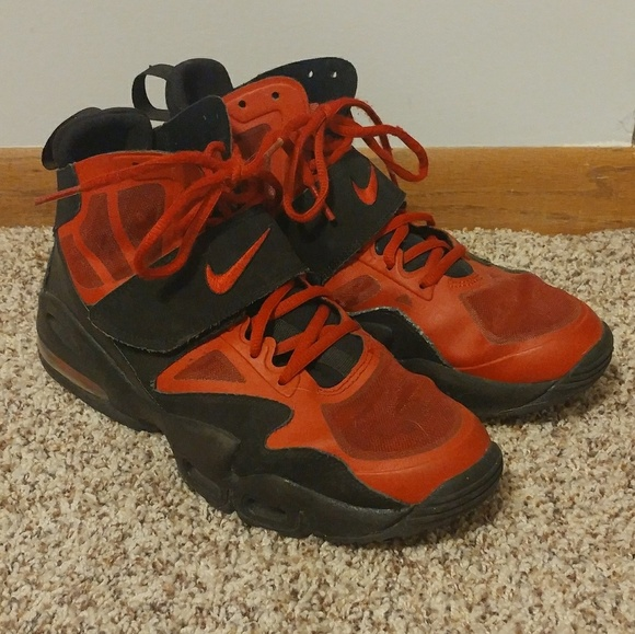 Nike Shoes   Red And Black Youth