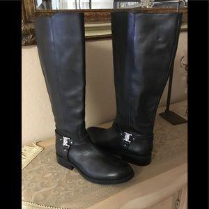 Vince camuto leather black boots sz.8.5 $75