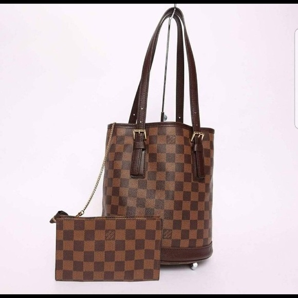 0008c56da70c5 Louis Vuitton Handbags - Authentic LV Marais bucket bag PM in Damier Ebene