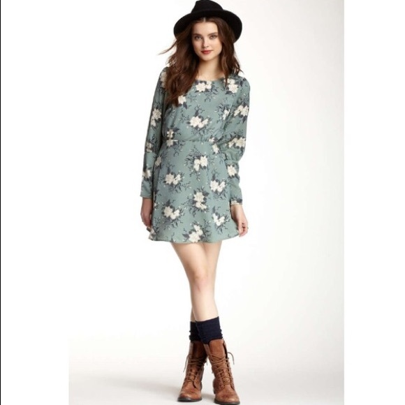 53862d15cb3e Free People Long Sleeve Green Floral Dress (NWT)