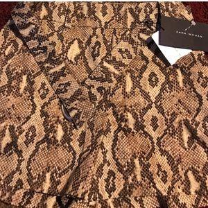 NWT Zara shorts with belt 🔥❤️