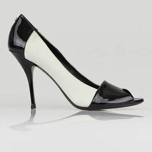 Gucci black/white pumps