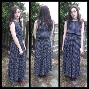 Vintage 90's navy polka dot dress with belt!