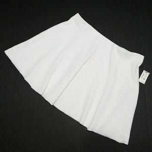 Aeropostale white textured mini skirt
