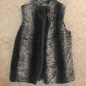 Tops - Grey & Black Faux Fur Vest